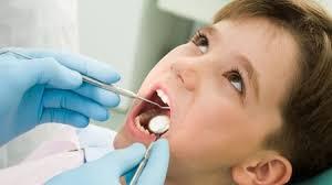 Почему у ребенка плохо пахнет изо рта?