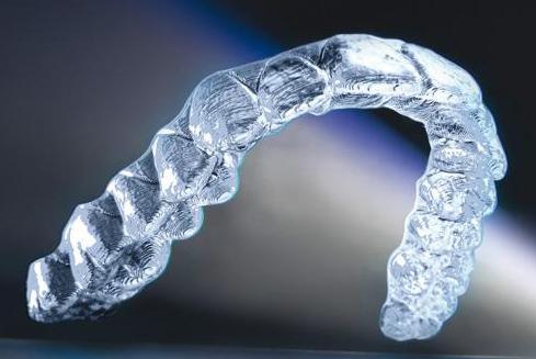 Что такое ортодонтическая система - каппы-элайнеры Инвизилайн (Invisalign)?